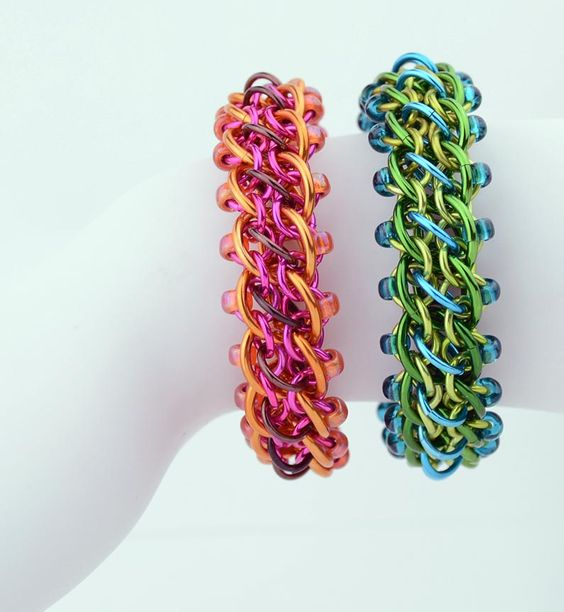 Pirouette with Rebeca Mojica #weave #chainmaille #bracelet