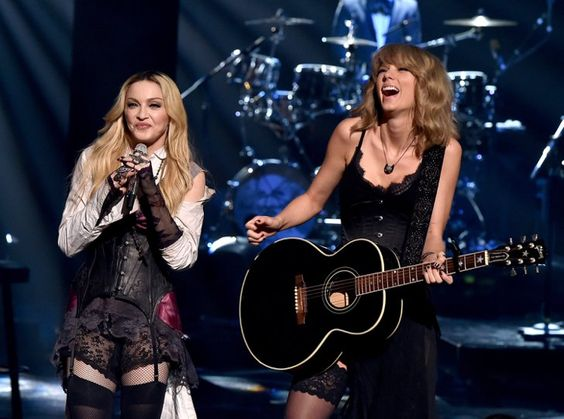 Pin for Later: Les Meilleures Photos des iHeartRadio Music Awards Madonna et Taylor Swift