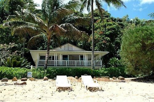 Take A Look At This Cool Photo What A Clever Theme Beachcottagehouseplans Beach Cottage Decor Beach Cottage Bedroom Hawaii Rentals