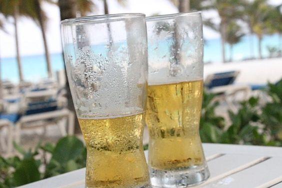 Dos Cervezas Por Favor