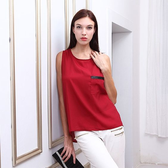 Sleeveless Top with Breast Pocket