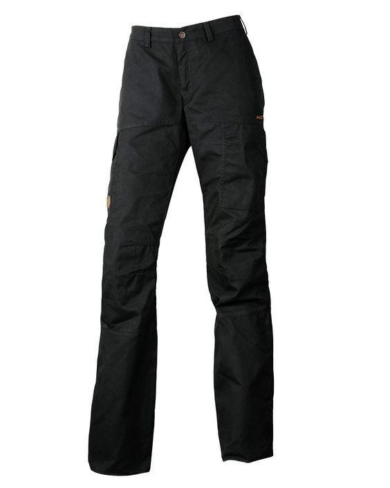 Outdoorhose - Modell Karla    Sportive und modische Multifunktionshose aus robustem G-1000®, wind- und wasserdicht. Vorgeformte Beine und regulierbare Beinabschlüsse für optimale Bewegungsfreiheit. 2 Schubtaschen, 2 Beintaschen mit Patten, 2 Gesäßtaschen mit Druckknöpfen und 1 Zippertasche.    Materialzusammensetzung:  Oberstoff: 65% Polyester, 35% Baumwolle...