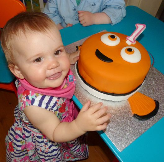 Nemo Cake: Finding Nemo Birthday Cake Http://kizzyandizzy.com/2015/05
