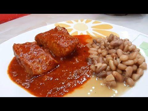 Como Hacer Carne De Cerdo O Costilla De Puerco En Salsa Roja Hecha En Molcajete Youtube Costillitas De Puerco Guisado De Puerco Carne De Cerdo
