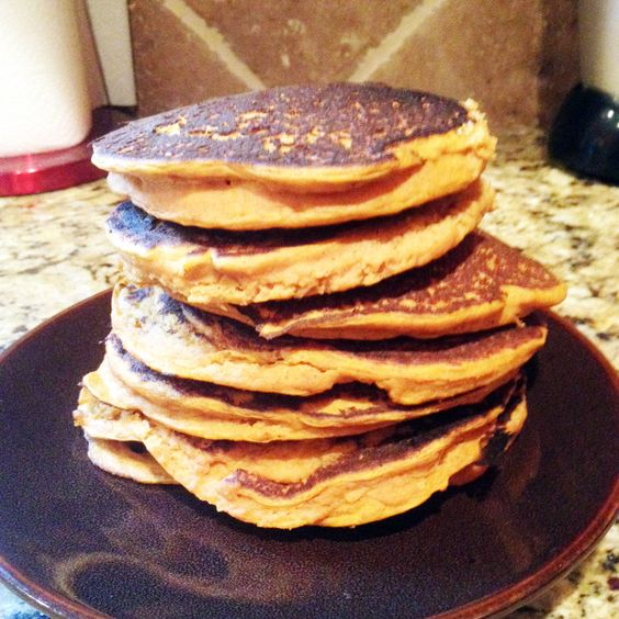 This is one of my favorite pancake recipes! Super yummy and packed full of protein,what's not to love?! I wanted to share with my readers one of Jamie Eason's Recipes, from bodybuildi…