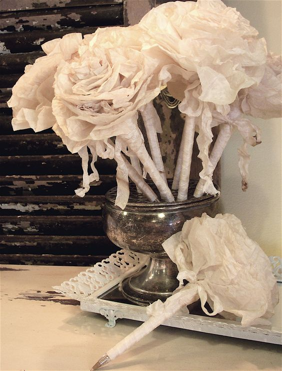 The perfect shabby pen to sign a guest book....oh so chic!