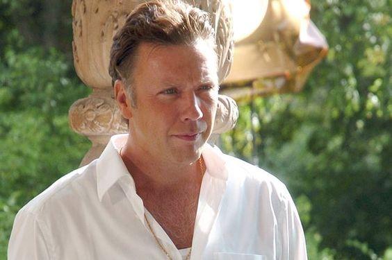 Mikael Persbrandt - Gangster