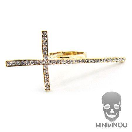 Anel cruz deitada cravejado