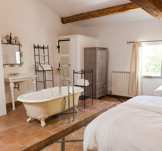 Decorating Trend Bathtubs In The Bedroom Guest Bedroom Design Open Plan Bathrooms Bedroom With Bath Decorating trend bathtubs in bedroom