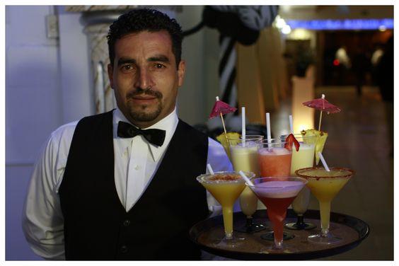 barras de cocteleria de fantasia con y sin alcohol para recepcion de tus invitados o para todo tu evento.
