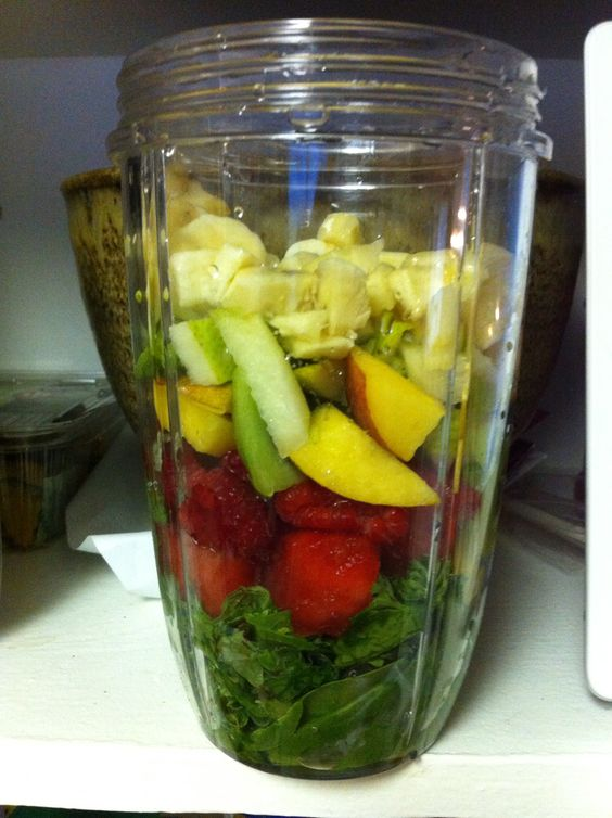 Nutri bullet smoothie- spinach, kale, parsley, mint, strawberries ...