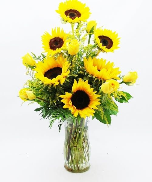 Roses And Sunflowers Theflowerbucket Sunflower Floral Arrangements Sunflower Arrangements Fresh Flowers Arrangements