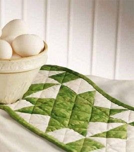quick quilting project could be done in seasonal fabrics