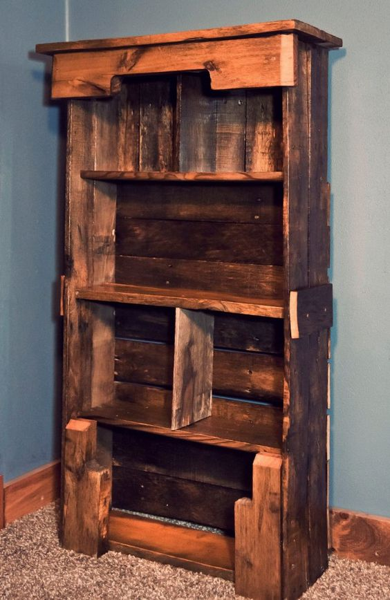 Man Cave Pallet Furniture : Wooden pallet bookshelf diy furniture plans