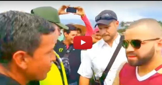 Nacho cruzó a pie la frontera con Colombia Nacho sigue mostrando su lado más humano en sus distintas actividades o acciones que ejecuta fuera de un escenario. En esta ocasión el cantante... http://www.facebook.com/pages/p/584631925064466