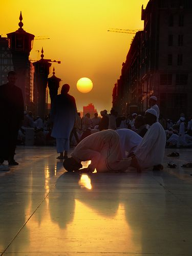 islamic-art-and-quotes: Muslim Men Praying before Sundown ...