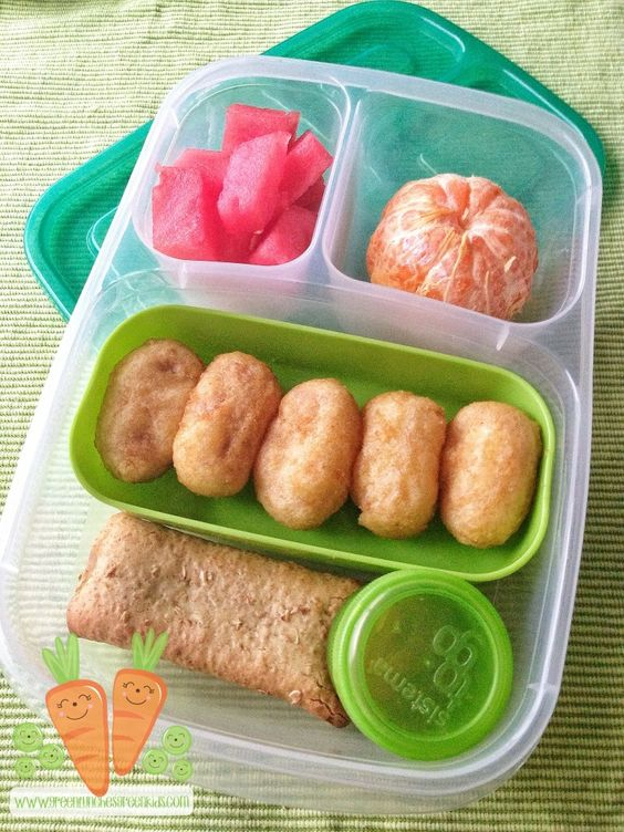 Mini Corn Dogs packed for a fun school lunch | with @EasyLunchboxes containers