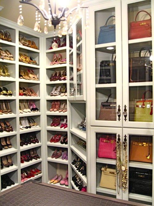 Master closet with shoe corner lay out.