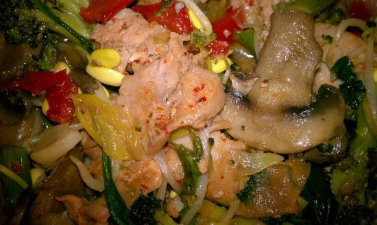 Sriracha Soy Chicken Stir Fry | My favorite recipes | Pinterest ...