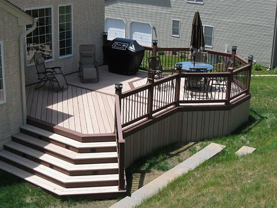 Best Deck With Expanded Side To Right Off Side Of House 400 x 300