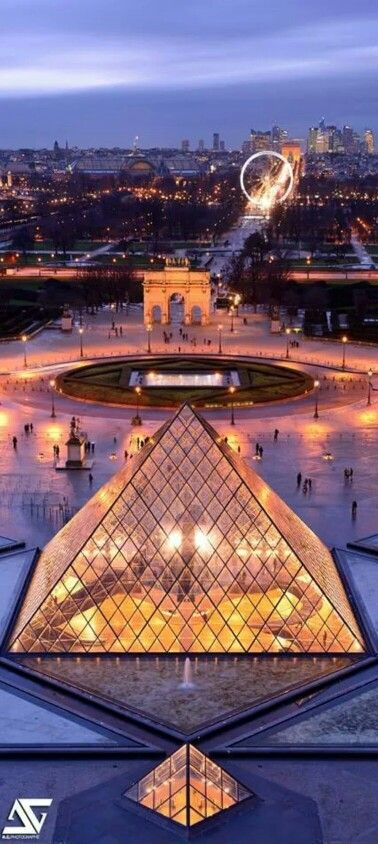 #Louvre muséum - Paris, view from the palace, towards the Champs-Elysées