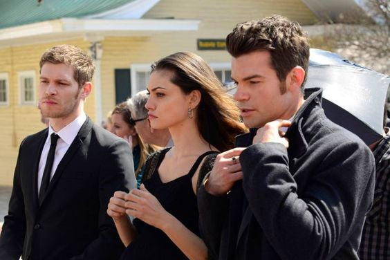 "S1 Ep20 ""A Closer Walk with Thee"" - Klaus, Hayley and Elijah"