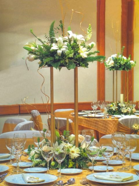Decoraci n de centros de mesa de quince a os centros de for Mesas decoradas para 15 anos