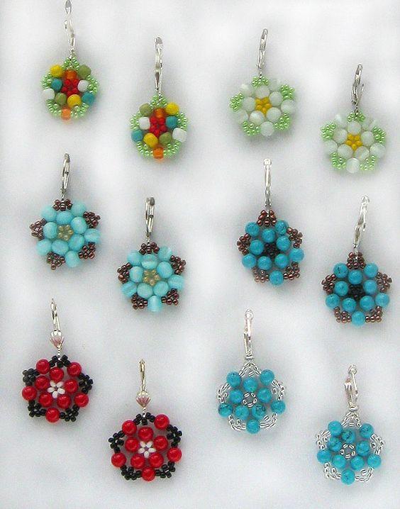 Free pattern for pretty beaded earrings Floweret