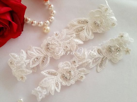 Wedding garter set, bridal garter, Lace Ribbon and Rhinestone. This delicate garter set is made of Floral lace and Swarovski Rhinestone, beads, elastic