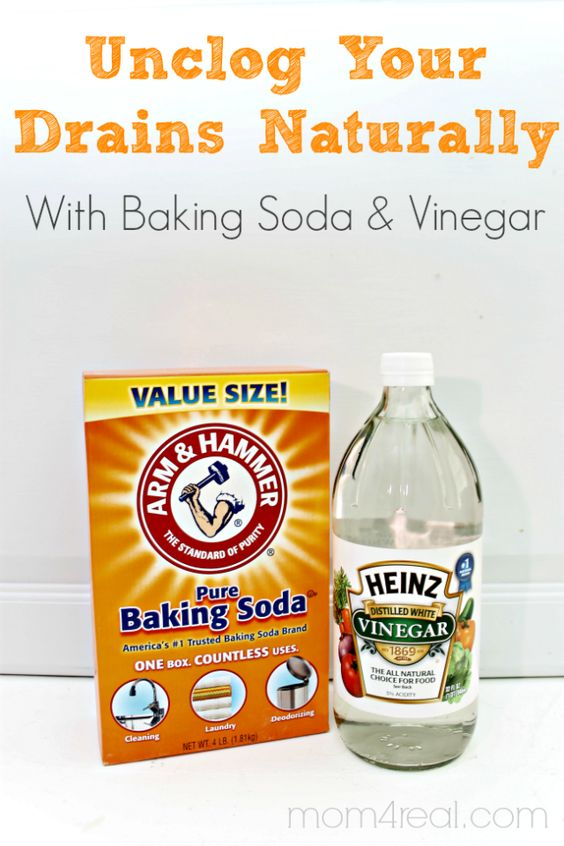 The power couple of vinegar and baking soda is back at it, this time to clean the drain. First, pour... - Mom4Real