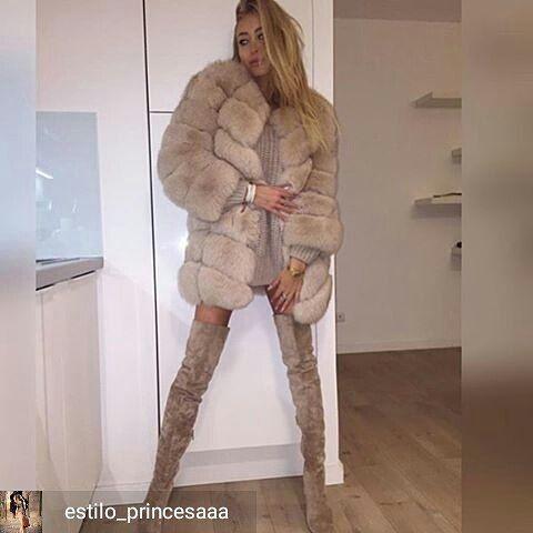 @Regrann from @estilo_princesaaa -  uma verdadeira princesa, look apaixonante com vestidinho de la, bota over linda e um super casaco de pele, casando uma elegância sexy única  #lookdodia #lookdeprincesa #lookdeinverno #winter #russianinspiration #overkneeboots  #botaoverknee #vestidodela #casacodepele #fircoat #fur #realfur #fashion #moda #Regrann Fur_heart