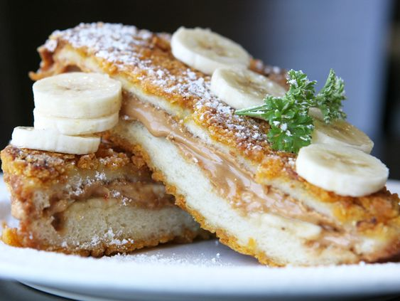 Crunchy Peanut Butter & Banana French Toast! #BananaLoversDay: