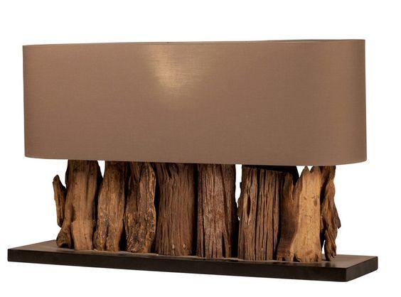 Candeeiro de mesa com abatjour em tela.
