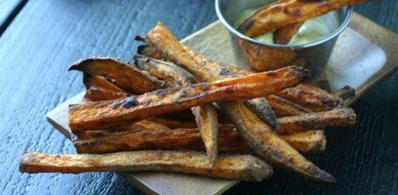 Crispy Baked Sweet Potato Fries from www.everydaymaven.com #whole30