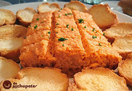 Este pastel de cabracho o pescado, que en realidad es un pudin, es un aperitivo o primer plato espectacular. El cabracho es un pescado con un sabor parecido al marisco.
