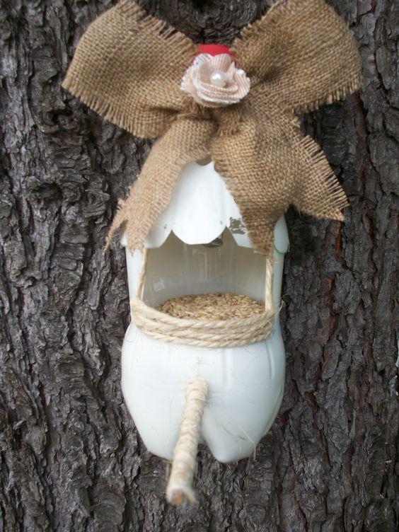 Casita de pajaros con botella pet idea ambiental - Casita para pajaros ...
