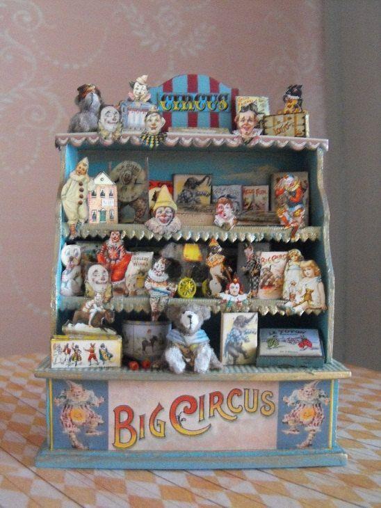 petit meuble avec sa collection sur le th me du by. Black Bedroom Furniture Sets. Home Design Ideas