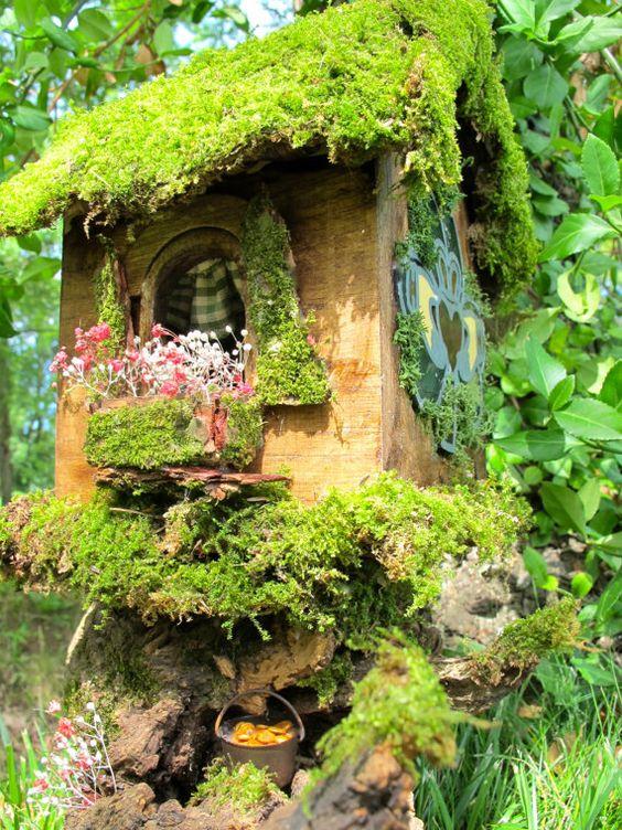 Claddagh House a OOAK Irish Fairy House. $185.00, via Etsy.