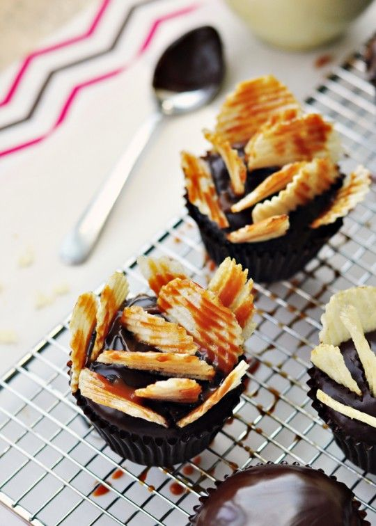 highway to heaven cupcakes--topped with potato chips and salted caramel!