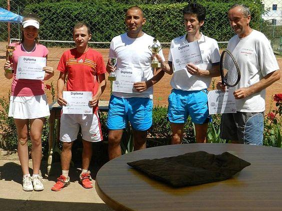 Câştigătorii Cupei Phoenix la tenis de câmp http://www.ziarulactualitatea.ro/eveniment/castigatorii-cupei-phoenix-la-tenis-de-camp/