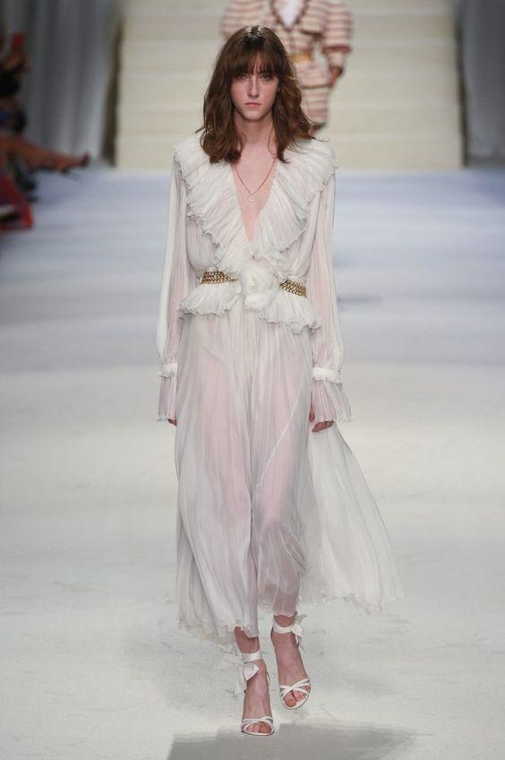 Tendenze moda primavera estate 2020 - Chiffon e abiti leggeri