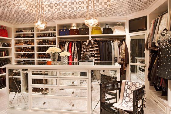 El vestidor - Así es la casa de Kris Jenner en Los Angeles