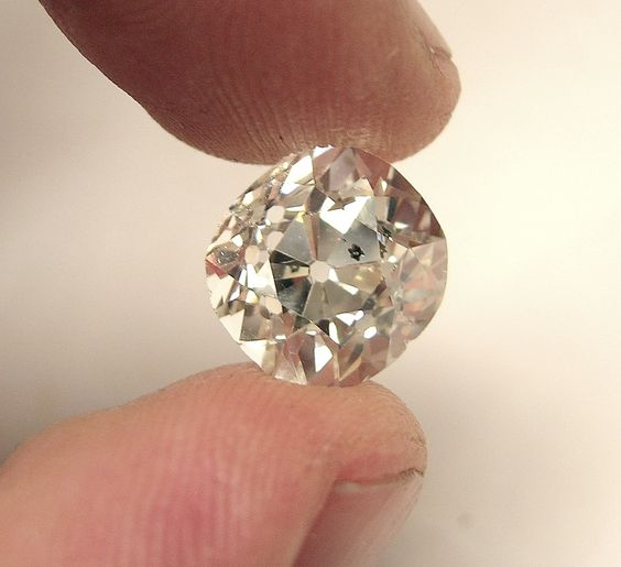 An enormous #7Carat Old Miners Cut Diamond!