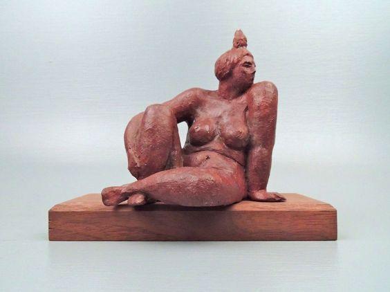 Modernst Terracotta Sculpture of a Nude Woman - Zuniga School - Signed F. Kahn