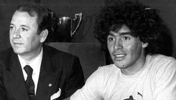 """Marche preso el """"tarado"""" que llevó a Maradona al Barcelona.  Se trata de José Luis Núñez, quien junto a su hijo Josep Lluís están acusados de sobornar a un inspector de recaudación de impuestos. Cuando presidió la entidad catalana, compró el pase de Diego, quien siempre se refirió a él despectivamente http://www.diariopopular.com.ar/c20664"""
