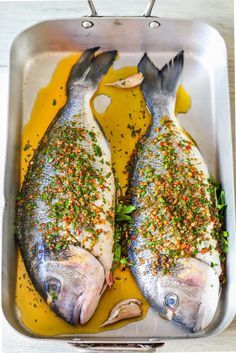 Pour moi c'est la meilleure recette de marinade pour les poissons. Choisissez de l'harissa de qualité ainsi le poisson aura du goût et sera légèrement pimenté. Si vous avez une machine sous vide n'hésitez pas à vous en servir, afin d'avoir des poissons...