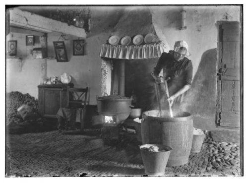 Het interieur van boerderij de uiltjes in zevenend for Interieur 1920