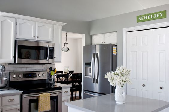 To a t i 39 m dreaming of a white kitchen walls sherwin for Argos kitchen cabinets