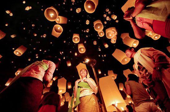 Các hoạt động lễ hội tưng bừng nhất thường diễn ra sau khi mặt trời đã lặn