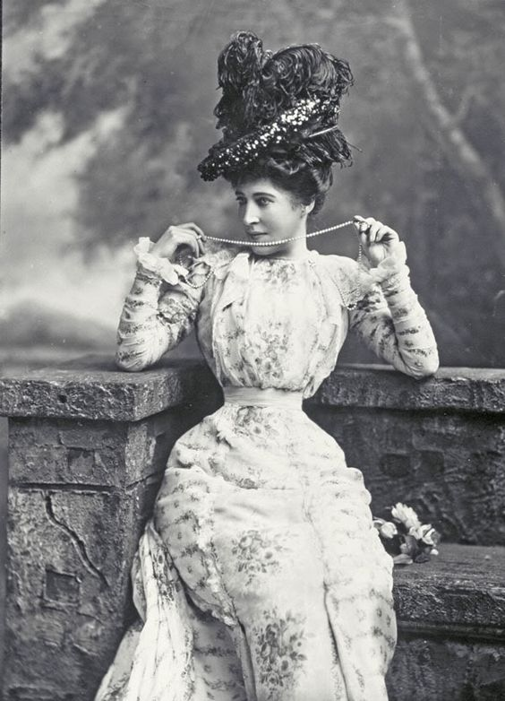 "Lillie Langtry - ""The Jersey Lily"" - (1853-1929) - Actress, mistress of Edward, Prince of Wales and others. Oooooo, how scandalous this must have been! :O):"
